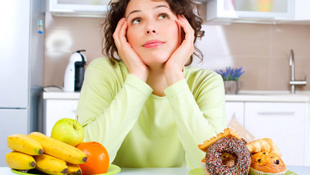 header_image_Article_Main_-_Fustany_-_Beauty_-_health_and_fitness_-_Five_Bad_Eating_Habits_You_Should_Avoid_Right_Now